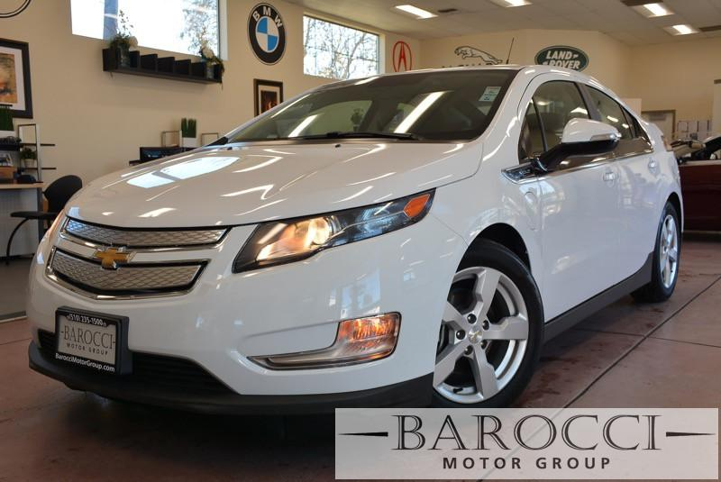 2014 Chevrolet Volt Base 4dr Hatchback 1 Speed Auto White Black This is a beautiful vehicle in