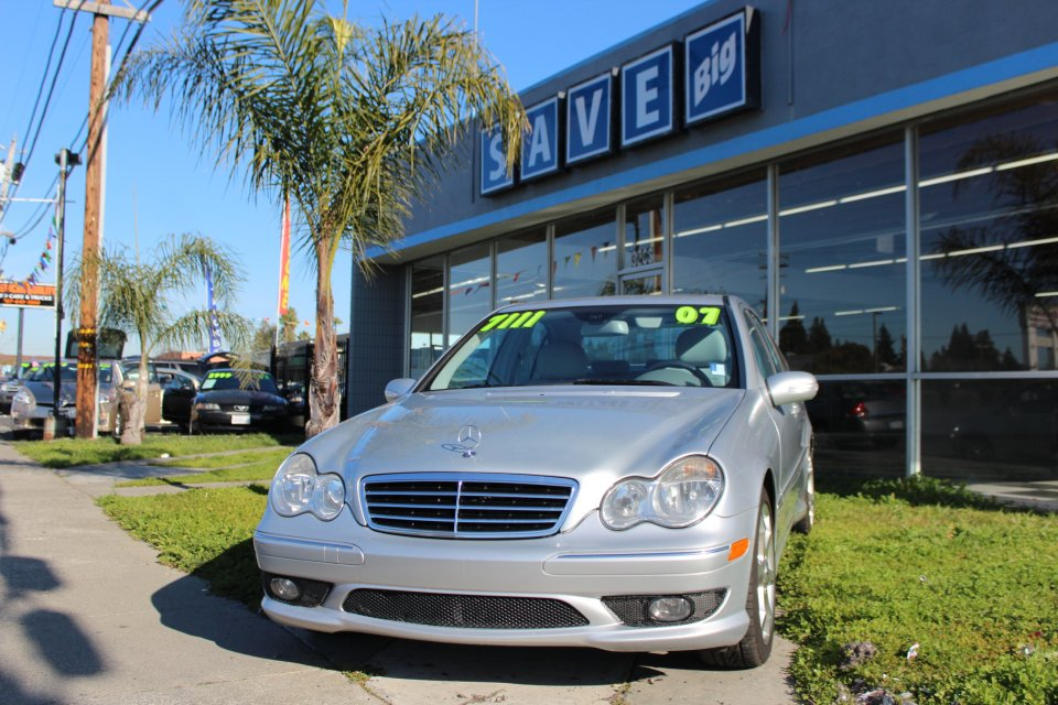 2007 MERCEDES C-Class C230 Sport Sedan  7-Speed Automa Silver Silver This is a beautiful vehicl