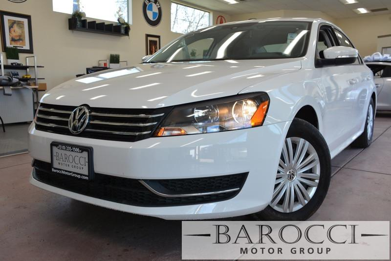 2015 Volkswagen Passat S PZEV 4dr Sedan 5M 5 Speed Man White Black ABS 4-Wheel Air Conditioni