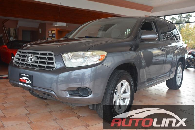 2009 Toyota Highlander Base 2WD 5-Speed Automatic Silver Gray Silver Bullet Here it is Want t