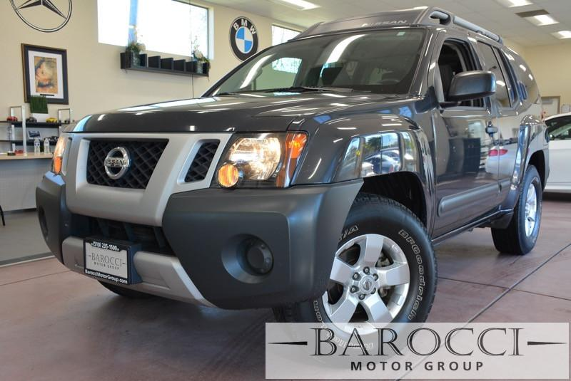 2013 Nissan Xterra X 4x2  4dr SUV 5 Speed Auto Black Gray This is a beautiful vehicle in great