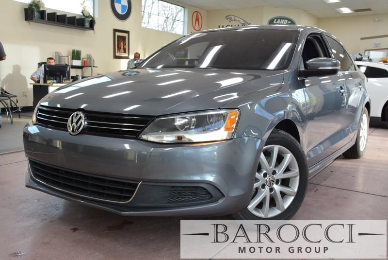 2014 Volkswagen Jetta SE PZEV 4dr Sedan 6A 6 Speed Auto Gray Black This is a beautiful vehicle