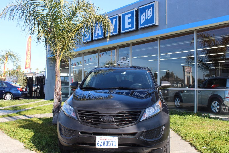2011 Kia Sportage LX FWD 6-Speed Automatic Black Black This is a beautiful vehicle in great con
