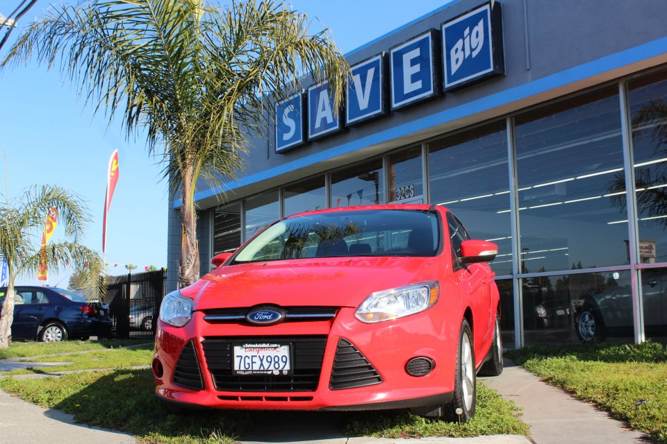 2013 Ford Focus SE 4dr Sedan Automatic Red Black MOON ROOF CLEAN CAR FAX RUNS GRATE Front Wh