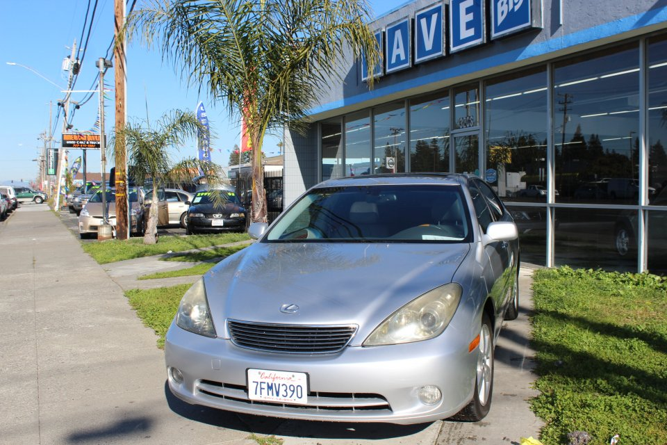 2006 Lexus ES 330 Sedan 5-Speed Automatic Silver Gray This is a beautiful vehicle in great cond