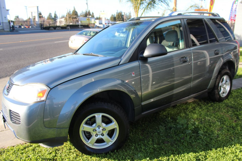 2006 Saturn Vue FWD 4-Speed Automatic  Gray Charcoal You are looking at a super nice 2006 Satur