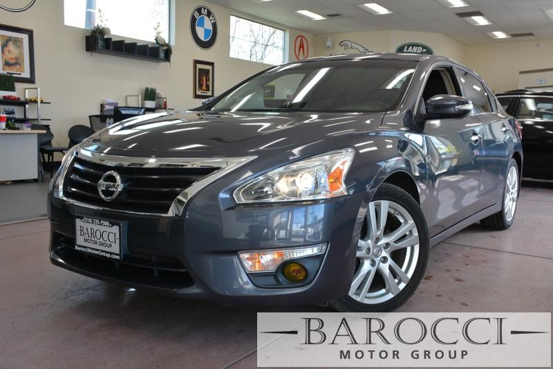 2013 Nissan Altima 35 SV 4dr Sedan CVT Continuously Variable Gray Black We are pleased to of