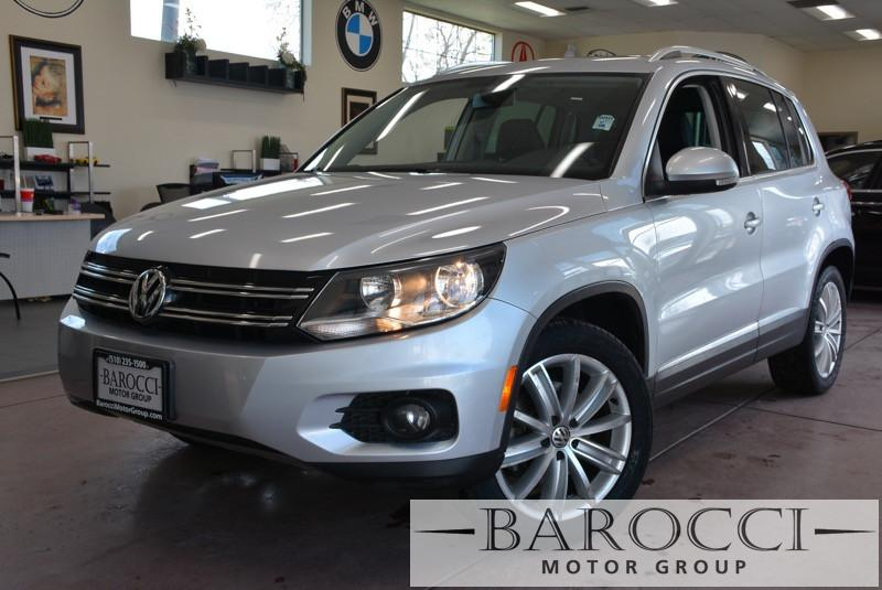 2013 Volkswagen Tiguan SE 4dr SUV 6 Speed Auto Silver Black This is a clean one owner 2013 Volk