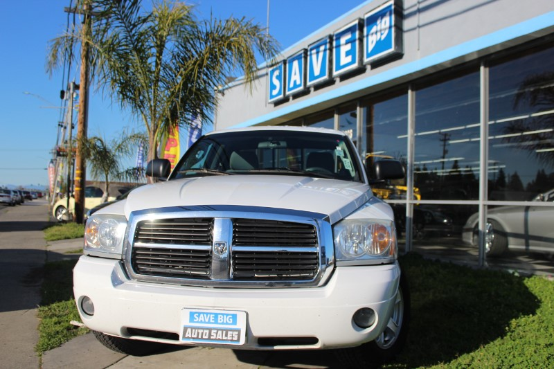 2007 Dodge Dakota SLT Pickup 2D 6 12 ft Automatic White Gray This is a beautiful vehicle in gr