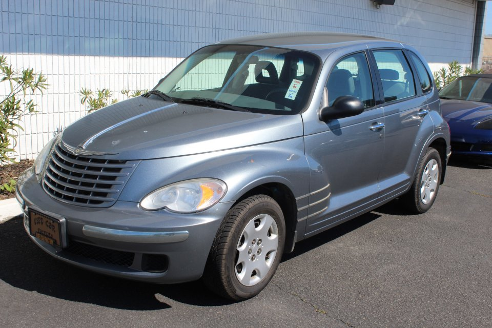 2009 Chrysler PT Cruiser automatic88k Automatic Gray Gray This is a striking one owner 2009 Chr