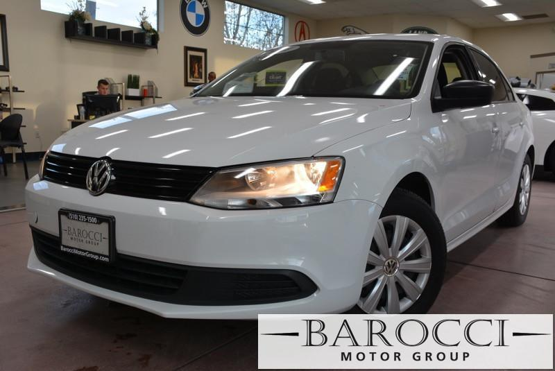 2016 Volkswagen Jetta 14T SE 4dr Sedan 6A 6 Speed Auto White Black ABS 4-Wheel Heated Seats