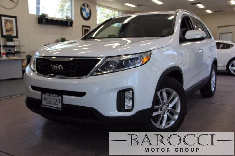 2015 Kia Sorento LX 4dr SUV 6 Speed Auto White Beige We are excited to offer a very nice one ow