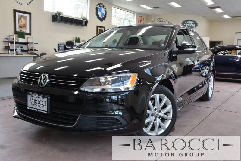 2014 Volkswagen Jetta SE 4dr Sedan 6A 6 Speed Auto Black Black This is an excellent one owner 2