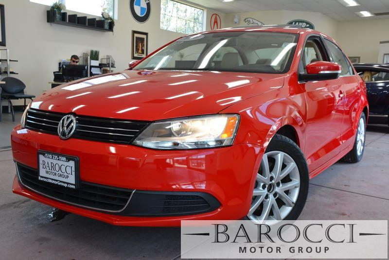 2014 Volkswagen Jetta SE PZEV 4dr Sedan 6A wConnectivi 6 Speed Auto Red Black Now offering a b