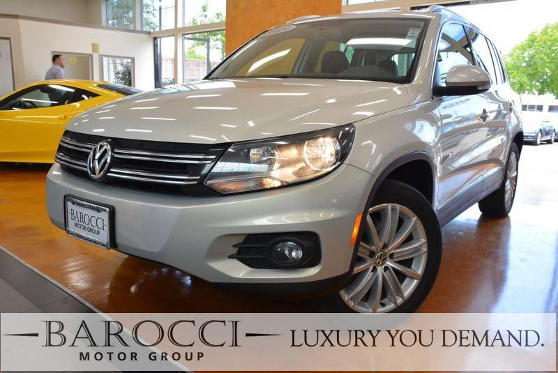 2015 Volkswagen Tiguan SEL 4dr SUV 6 Speed Auto Gold We are pleased to offer a striking one owne